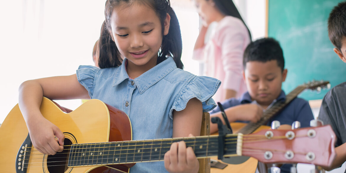 How To Sharpen Your Guitar Skills By Taking Classes