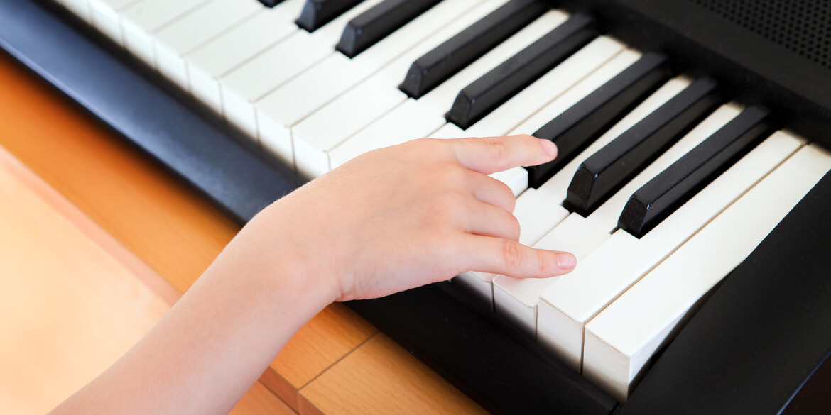 4 Brilliant Piano Exercises For Strengthening Your Left Hand